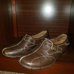 Womens casual shoes....Naturalizer